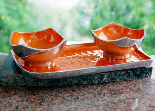 2 Bowl Set With Tray